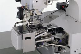 W674 : 4 or 5 needle, cylinder bed, double chainstitch machines for super tucking